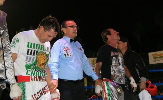 Julio César Chávez pelea contra alcalde de Sinaloa - http://www.notimundo.com.mx/deportes/julio-cesar-chavez-alcalde-sinaloa/