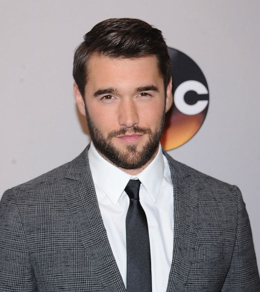 Josh Bowman Photos Photos - Josh Bowman attends the 2016 ABC Upfront at David Geffen Hall on May 17, 2016 in New York City. - 2016 ABC Upfront