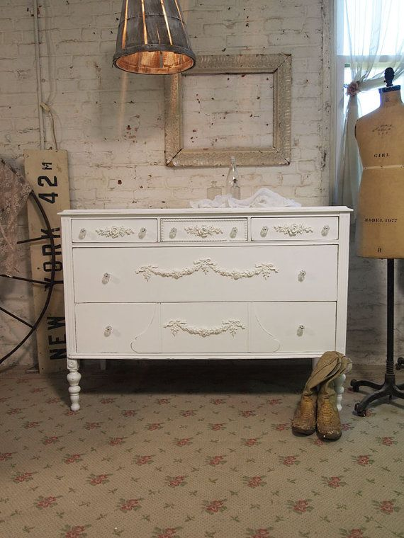 Cottage Chic, Shabby White, Cottages Chic, White Romantic, Painting Cottages, Chic Shabby, Romantic Dressers