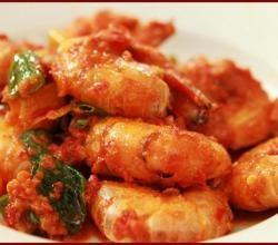 Shrimp Balado recipe from ifood.tv. Shrimp Balado or Udang Balado, is an authentic Javanese dish. Majorly consisting of red chilies, makes it a fi