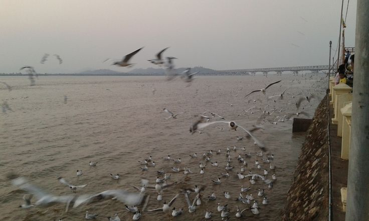 Top 5 things to do in Mawlamyine, Myanmar! What can they be? Check it out!