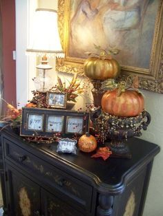 I love the 3 picture frame with the give thanks.. Great idea for a cheap dollar store frame maybe paint orange or a fall color to stand out. Fall Decorating ideas by kelli