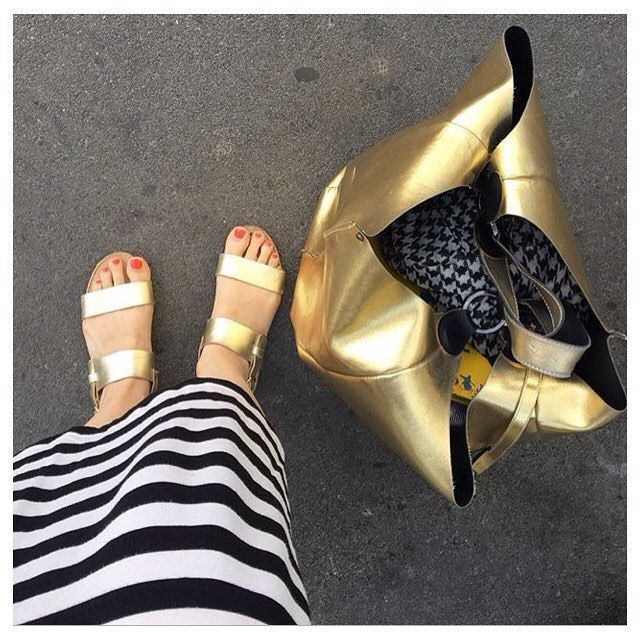 @my.ponyhof looking  chillout-ready in our #gold stephie #sandals ✨ #flats #summer #summeroutfits #fashion #summershoes #lagarconneshoes #lagarçonneshoes #swissbrand #zurich