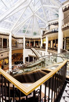 If you're looking for mall scavenger hunt riddles, check out this list of 20 rhyming riddles