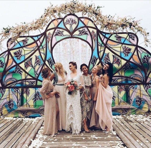 Gorgeous backdrop & gowns!! Photo via #gorlanovaevents http://www.gorlanova-event.ru/reports/