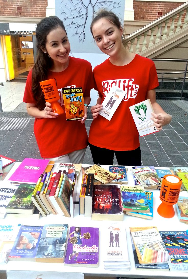 Queensland University of Technology Big Lift Book Swap for the Indigenous Literacy Fund. Photo by Sascha Shipley #QUT #books #literacy #volunteer #DoSomethingPhoto