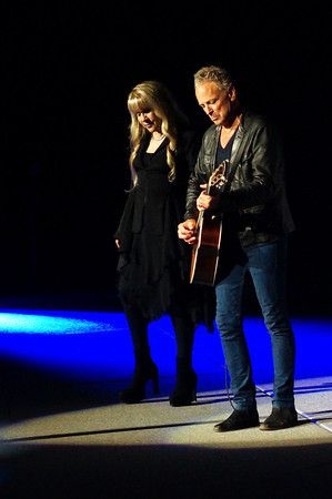 Lindsey and Stevie with Fleetwood Mac Concert Tour Photos 2013