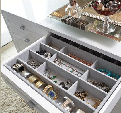 Great and accessible way to organize your jewelry! #accessories #organize