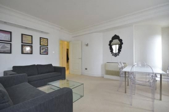 https://www.realestatexchange.co.uk/properties/comprare-casa-a-londra-spring-gardens-westminster-londra-sw1a/?lang=it