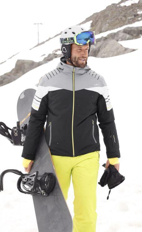 Dir kann es auf der Piste nicht schnell genug nach unten gehen? Hier kommt dein Outfit: Die Jacke begeistert mit seinem ultracoolen Design und einer hohen Wärmerückhaltung, passend dazu ziehst du mit der neonfarbenden Hose und den Roxy Goggles alle Blick auf dich. Und Schuss!
