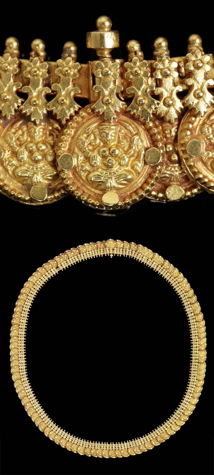 South India - probably Tamil Nadu | Necklace ~ kasumalai ~ composed of one hundred coins, each with repoussé decoration depicting Lakshmi, the goddess of wealth, linked to a gold chain with floral motifs and bud finials | ca. late 19th century | 8'125£ ~ sold (Oct '15)