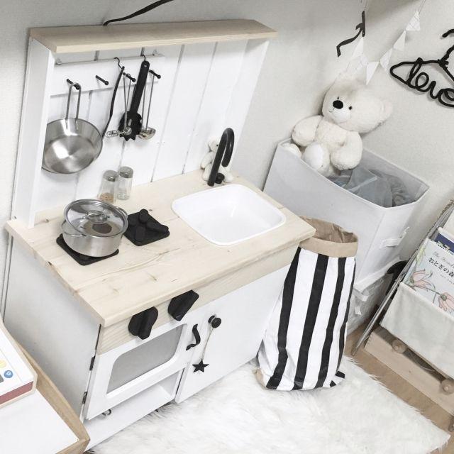 YUKAさんの、つや消しブラック,モノトーン,無印良品,DIY,セリア,IKEA,こどもと暮らす。,キッズスペース,誕生日プレゼント,キッチン,のお部屋写真