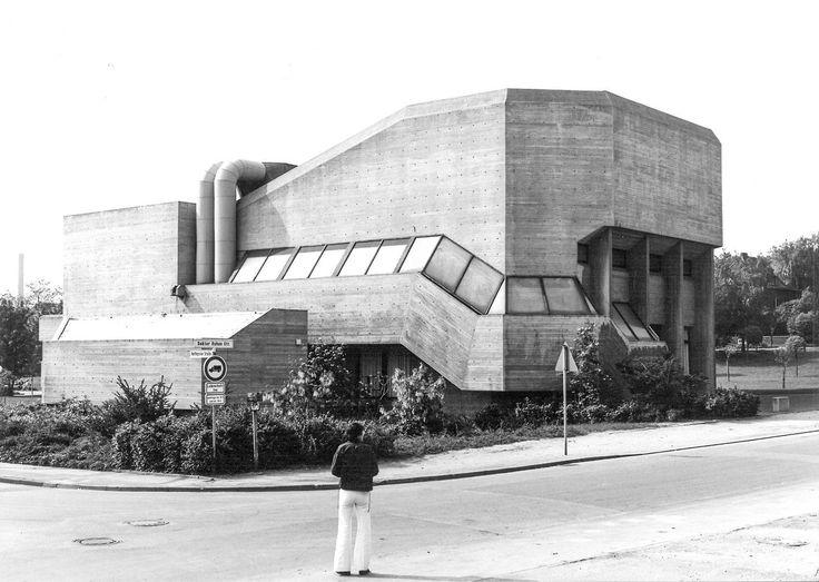 germanpostwarmodern:    Guild Hall/Auditorium (1974) in Hückelhoven Germany by Christoph Parade