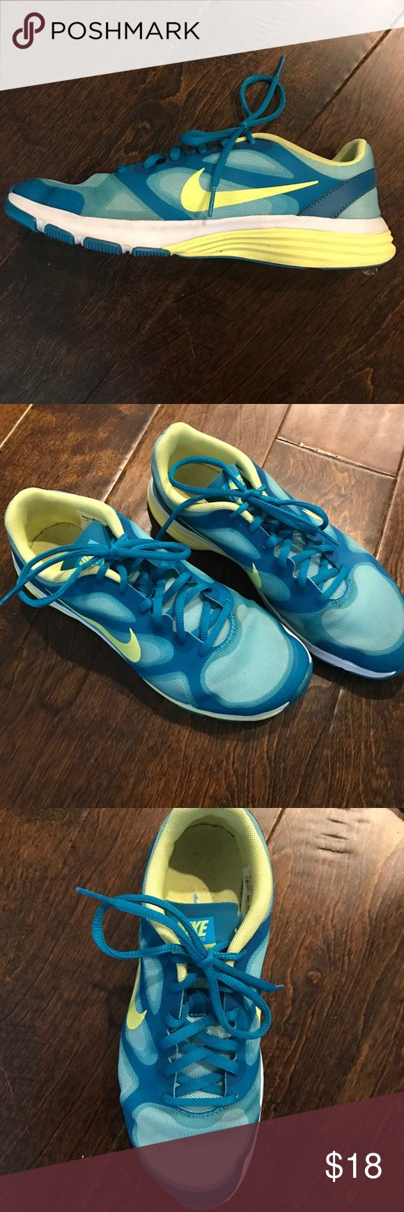 Nike tennis shoes Hardly worn Nike trainers. OPEN TO ALL OFFERS Nike Shoes Sneakers
