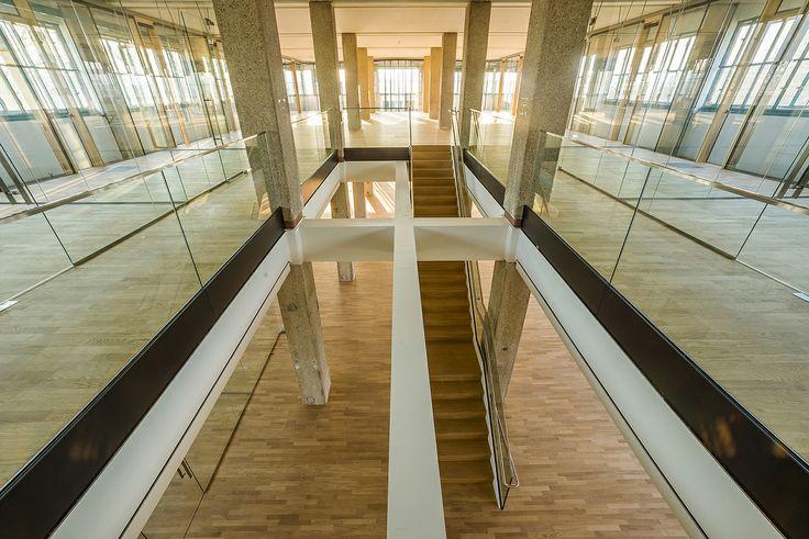 Tabakfabrik: Glas und Holz sind die dominierenden Materialien im neuen Netural Office.