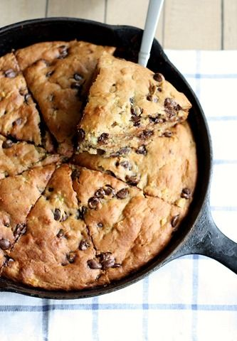 whole grain chocolate chip banana yogurt skillet cake // cait's plate