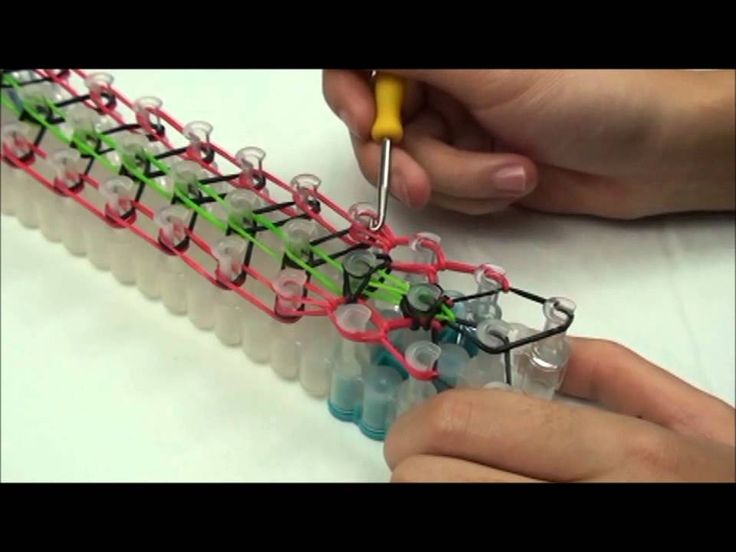"Lesson 8: ""Double Rearward Rhombus"" pattern Rainbow Loom® bracelet"