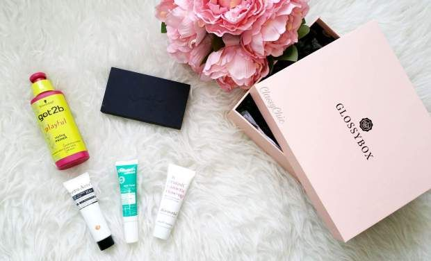 Glossybox review March 2017 #glossybox#review#march#flowers#skincare#haircare#makeupaddict#makeupblog#beautyblog#