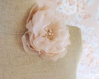Morbido in Chiffon di seta rosa fiore fermacapelli con strass oro e rosa perline perle d'acqua dolce