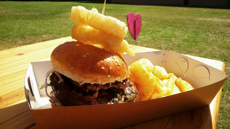 #Festivalreview of #CapeTown's first-ever #TheBurgerFestival that took place over the #Valentine's Weekend at Jan Van Riebeek Hoerskool's rugby field, Tamboerskloof.   My review of it can be seen here: http://tamlynamberwanderlust.com/?p=3179