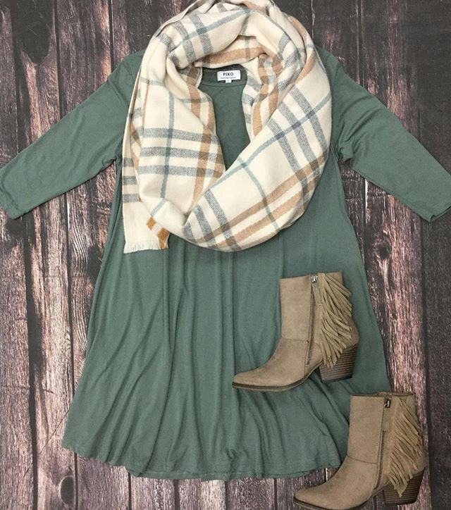 We're wearing our Piko dresses with blanket scarves and taupe booties this fall!