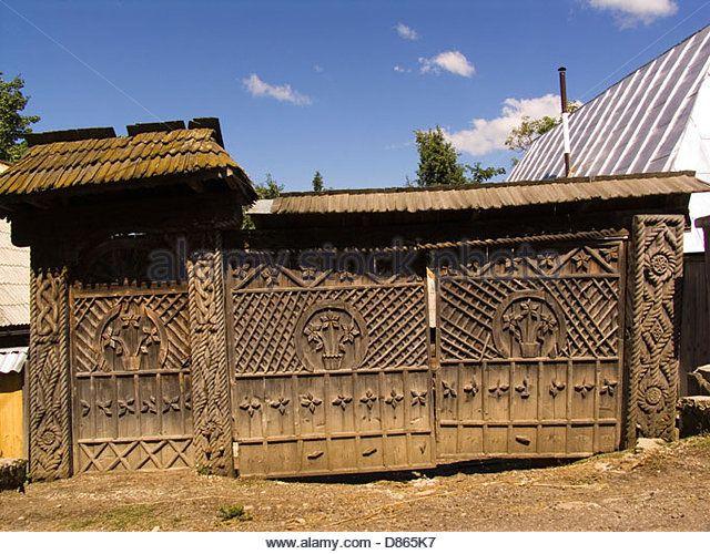 europe, romania, maramures, budesti village, gate of a traditional house - Stock Photo