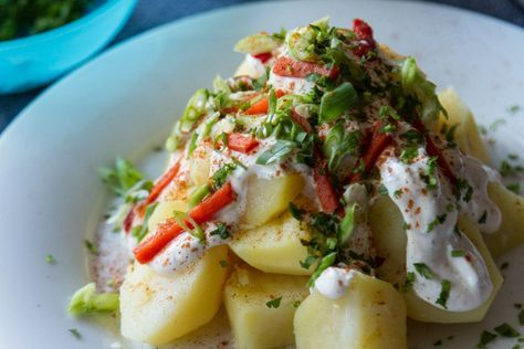 Akis recipe for potato salad with yogurt dressing. A tasty classic Greek recipe that is very easy to make.