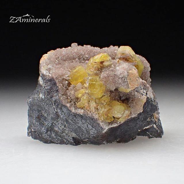 A stunning #Ettringite specimen from #southAfrica Custom Label: VJ18 Bid Bid Bid! Store link in bio #ZAminerals #RockOn #Crystals #Minerals #NoFilter #mineralcollector #RockCollection #RockShop #Geology #MineralsForSale #CrystalsForSale #crystal #crystallover #cristais #gem #igdaily #africancrystals