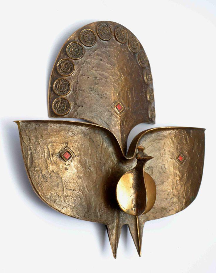 Pap Zoltán - Páva - 01 Öntött bronz, rekeszzománc díszítéssel. Készült: 1970-es évek elején, 30x28 cm. Jelezve: beütött Pap Z.PZ01 16/37