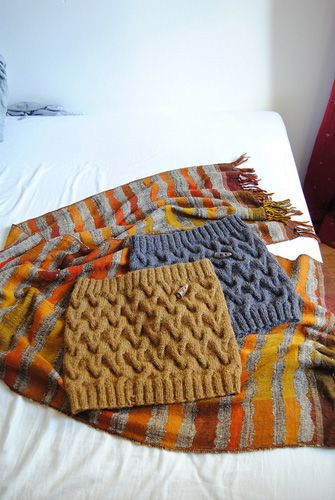 Cowl free pattern. Love this type of cable, makes me think of sand dunes.