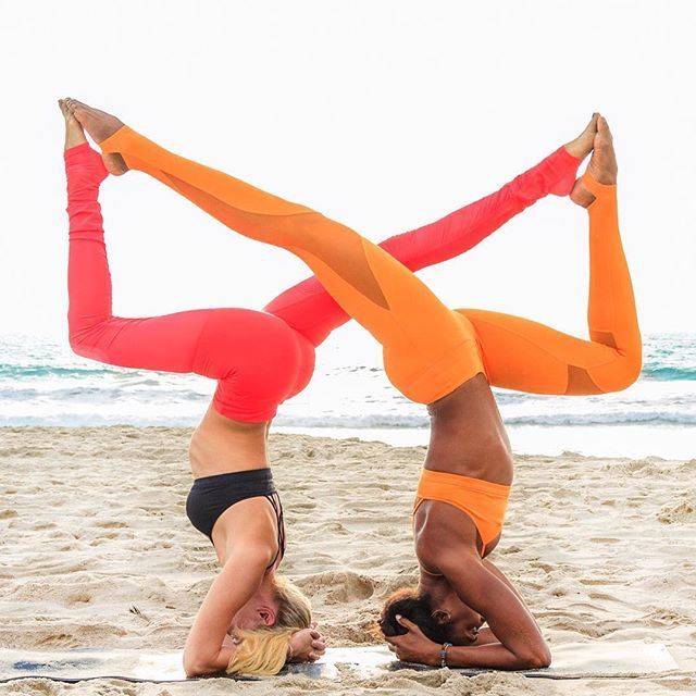 @NikkiSharp is featured in the Goddess Bra & Goddess 2 Legging. @KoyaWebb is featured in the Goddess Bra & Coast Legging. #aloyoga #beagoddess