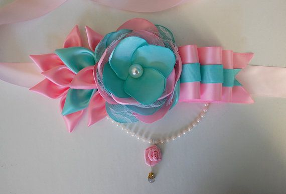 Mommy to be sash / Maternity Sash / Belly Sash  / by RainOfFlowers