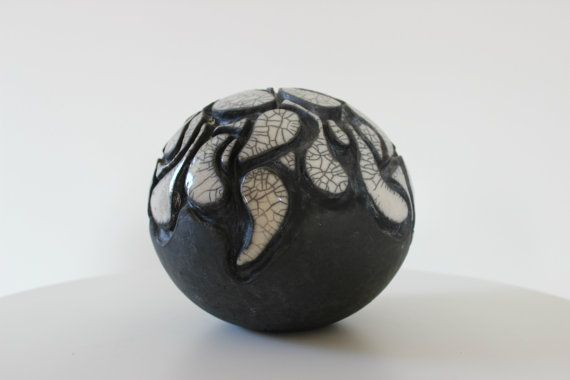 Raku ceramic sphere home decor 6.3 x 7.88 inches by MISAKIRAKU, €300.00
