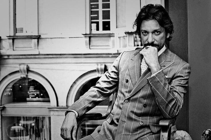 Un mio scatto dell'attore Sergio Assisi.  #sergioassisi #isaia #portrait #style #fashion #blackandwhite #bw #work #celebrity #celebrityportrait #vip #milan #milano #igers #instagood #cool #swag