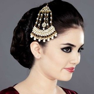 Featuring this Jhoomar Headpiece with Kundan in our wide range of Hair Accessories. Grab yourself one. Now!