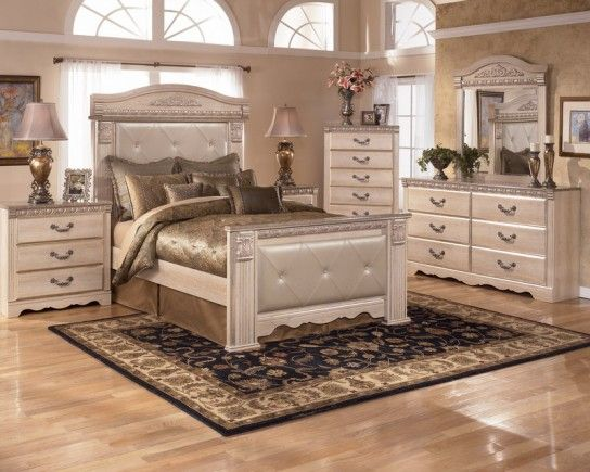 93 best luxurious homes images on pinterest arquitetura dreams and luxury houses for Silverglade mansion bedroom set ashley furniture