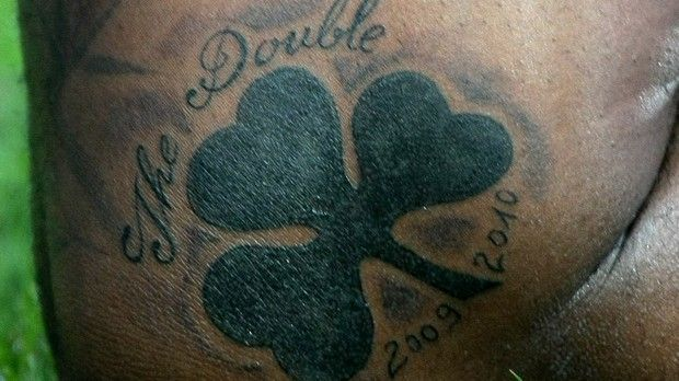 Djibril  Cissé 17 Tattoo double 2009-2010  Panathinaikos