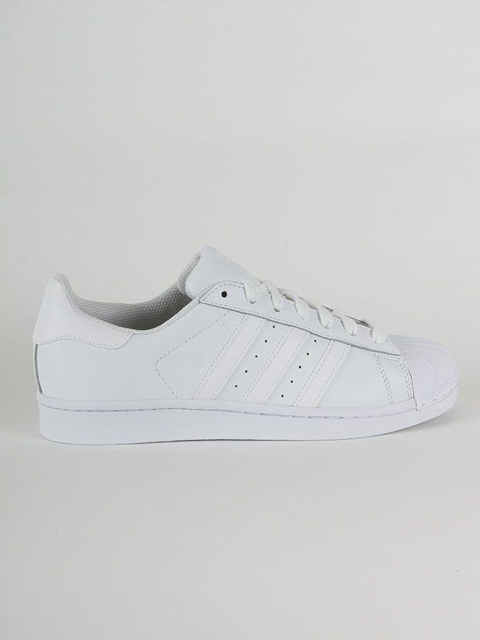 Adidas Superstar, vel. 36 https://www.urbanstore.cz/muzi/panske-boty/panske-tenisky/superstar-foundation16.html