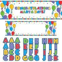 Balonlar, Kişiselleştir Dev Afiş Kişiye Özel Parti Malzemeleri:  İçinden çıkan kendinden yapışkanlı harf ve rakamlarla afişin üzerine dilediğiniz mesajı yazabilirsiniz. İçindekiler:  6 adet: O  5 adet: N,I,E,A  4 adt: F,R,Y  3 adet: U,T,S,P,M,L,J,H,G,D,C,B  2 adet: K,V,W,Z  1 adet: Q,X,1,2,3,4,5,6,7,8,9,0,&,!  Özel kutlamalar, doğum günü partileri için istediğiniz mesajı yazabileceğiniz ideal parti malzemesi.