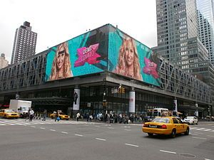 Bus The massive Port Authority Bus Terminal is between 40th and 42nd Streets and Eighth and Ninth Avenues. Several New York City Bus routes (such as the M11, M42, and M50) also service the are