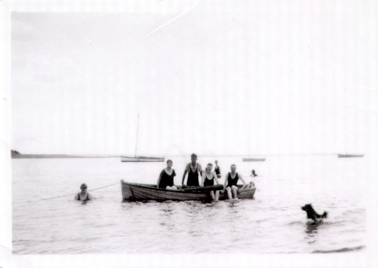 Barwon Heads.  After 1927.  Size 8.5 x 6.5 cm.  [Ocean Grove Spit in background]
