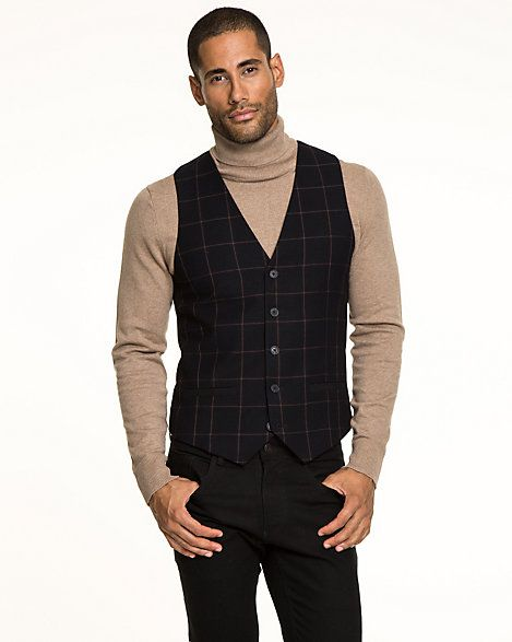 Le Château: Woven Contemporary Fit Vest