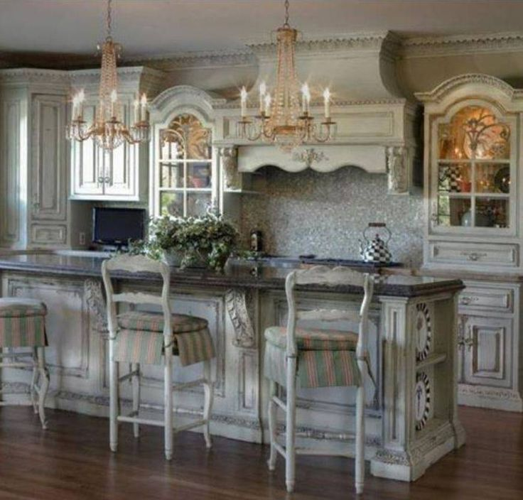12 Essential Ingredients For A French Provincial Kitchen: Victorian Style Kitchens With Double Crystal Chandelier And Island ...