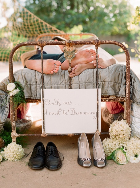 Must be dreaming...: Photos Ideas, Engagement Photos, Wedding Pics, Cute Ideas, Twin Beds, Engagement Pics, Engagement Shoots, Sweet Dreams, Anniversaries Pics