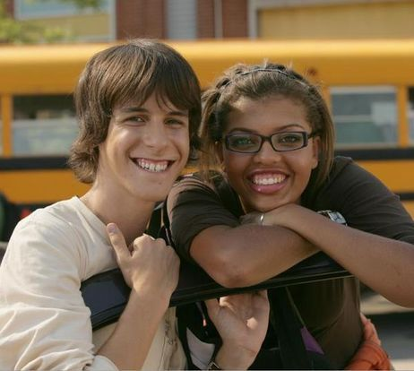 JT Yorke and Liberty Van Zandt (Degrassi: The Next Generation).