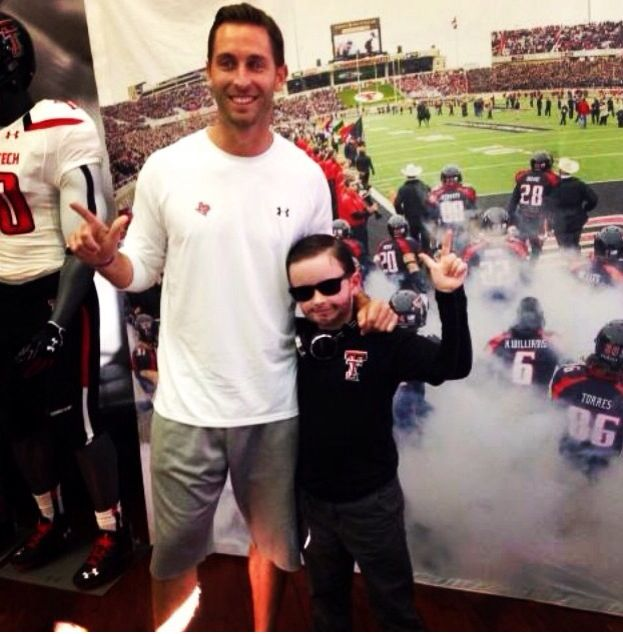 Kliff Kingsbury And His Mini Me Texas Tech Mens Tops
