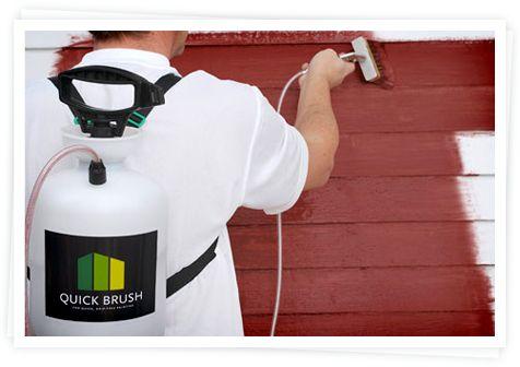 Haluatko nauttia kesäisestä joutenolosta talonmaalauksen lomassa? Fiksu maalaa jopa 40% nopeammin Quick Brush –painesiveltimellä. Quick Brush on olkahihnassa kannettava, helppokäyttöinen apuväline. Sen pumpattava säiliö vetää kerralla jopa 4 litraa maalia, jota laite sitten syöttää tasaisesti siveltimeen.