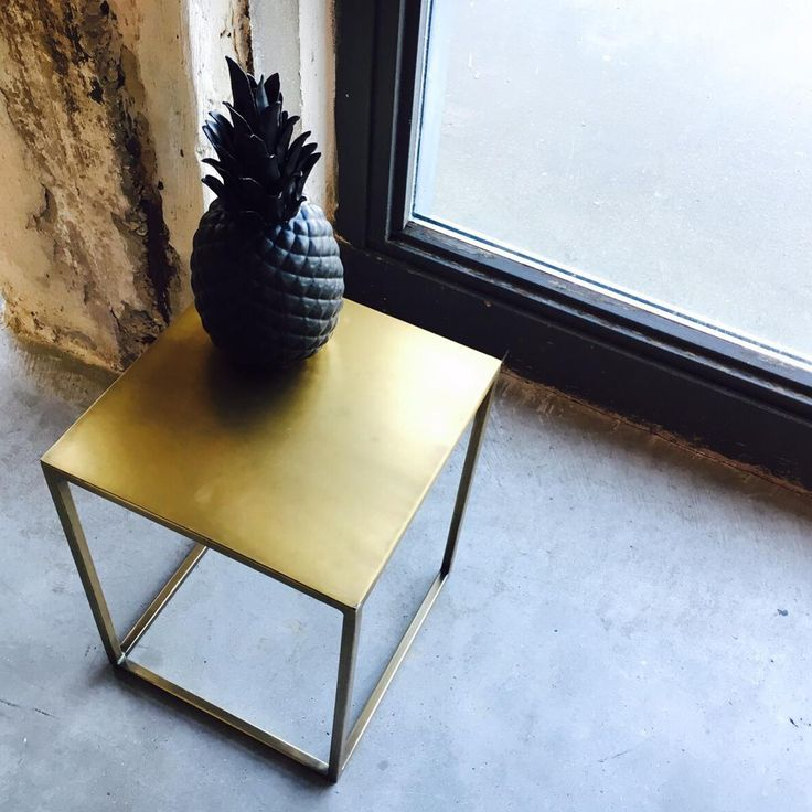 Chic and classy is pineapple black on gold frame table square. #interior #decor #sidetable #accessories #pineapple #ananas #black #gold #amsterdam #onlineshop
