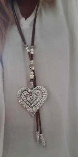 Supernatural Style | https://pinterest.com/SnatualStyle/  corto boho con cuentas collar de cuero de mujer