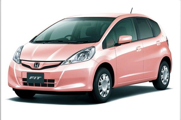 The 2013 Honda Fit She's, a pink car designed specifically for women, has debuted in Japan.